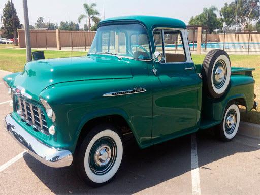 Classic Trucks Puzzle online hra